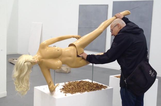 Las cascanueces desnudas de Jennifer Rubell