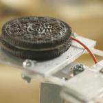 OREO Separator Machine: La máquina que separa las galletas Oreo