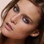 Kim Cloutier, ojos verdes y medidas perfectas