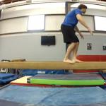 Cómo quedarse sin huevos haciendo un backflip sobre la barra