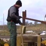 De esta forma cortan la leña en Ucrania...