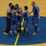 Golazo de chilena en un partido de fútbol sala