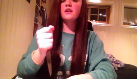 La noruega Hanna Ellingseter y la canción del cuchillo