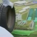 Japón: Lanzando neumáticos por una pista de esquí