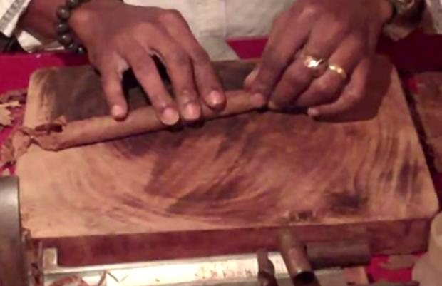 Así es como se hace un puro de manera artesanal