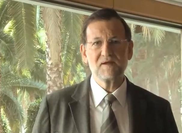 González Pons y Mariano Rajoy cantando ''Te Pintaron Pajaritos''