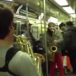 Batalla de saxos en el metro de Nueva York (vídeo más largo)