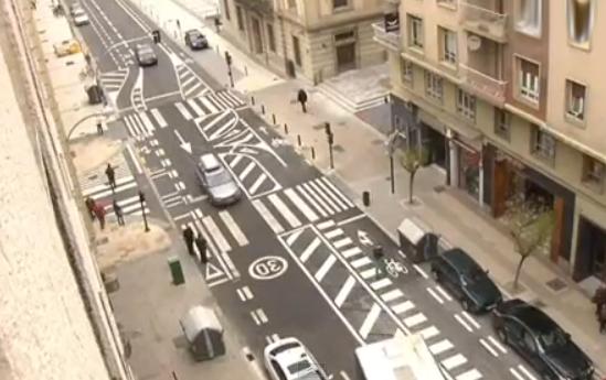 ¿Alguien entiende esta calle de Vitoria-Gasteiz?