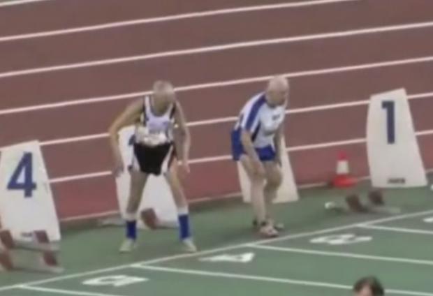Dos hombres de más de 90 años se retan en una carrera de atletismo