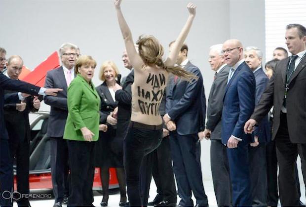 FEMEN se desnuda ante Vladimir Putin y Angela Merkel