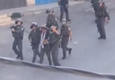 Soldados israelíes utilizan a un joven palestino 'como escudo humano'
