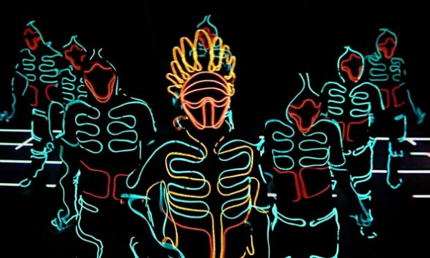 Impresionante el espectáculo de Wrecking Crew Orchestra con LEDS al estilo TRON