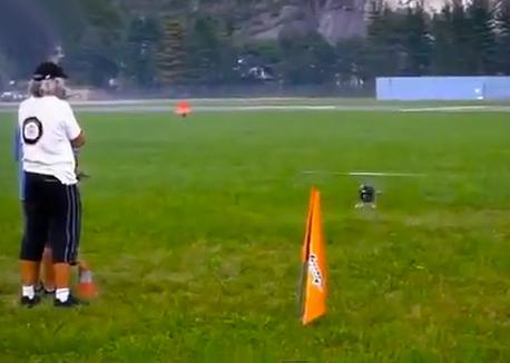Pilotando un helicóptero RC nivel Master