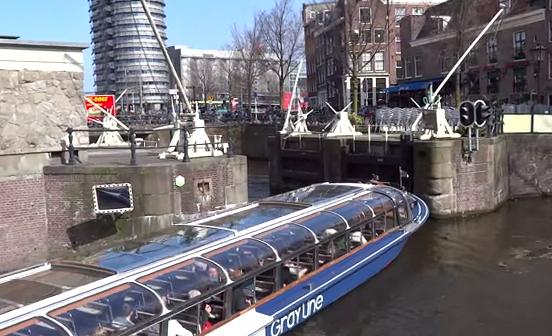 'Drifteando' por los canales de Ámsterdam
