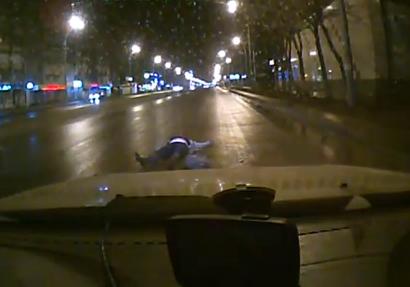 Patético intento de una mujer rusa de estafar al seguro