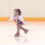 Una niña rusa de 2 años y medio que patina mejor que muchos adultos