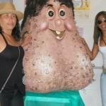 'Sr. Bolas', una horrible mascota en forma de testículos en Brasil