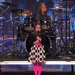Aaralyn O'Neil, una niña de 6 años que canta heavy metal