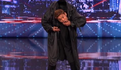 Kenichi Ebina, impresionante performance a lo Matrix en America's Got Talent 2013