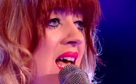 Leah McFall, concursate de The Voice UK con una voz impresionante