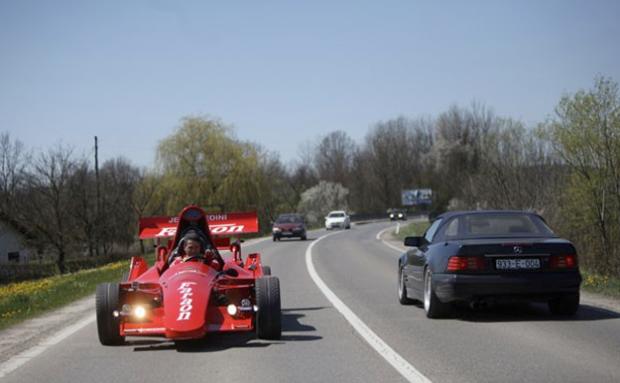 Construye su propio Fórmula 1 biplaza con 25.000 euros de inversión
