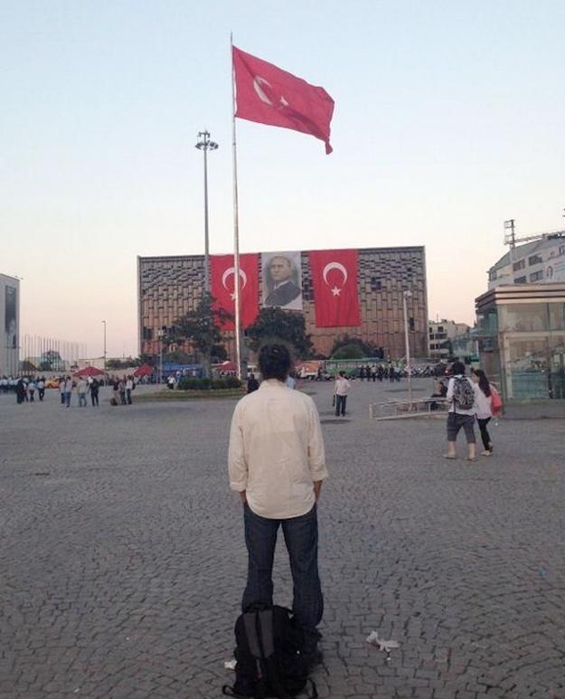 El hombre parado de Taksim