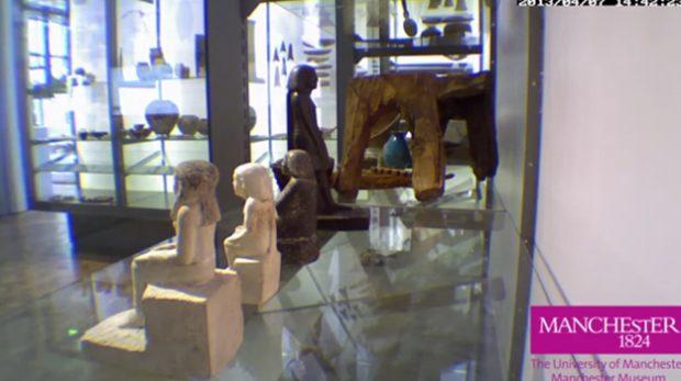Desconcierto en el museo de Manchester por antigua estatua egipcia que gira sobre sí misma