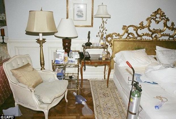 La Policía de Los Ángeles hace públicas las fotos de la habitación de Michael Jackson el día que murió