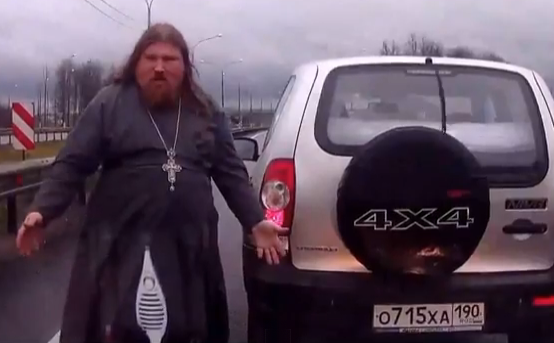 Jesucristo es ruso y no sabe conducir