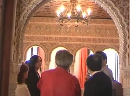 Un vecino de Paradas (Sevilla) construye un palacio andalusí en su propia casa
