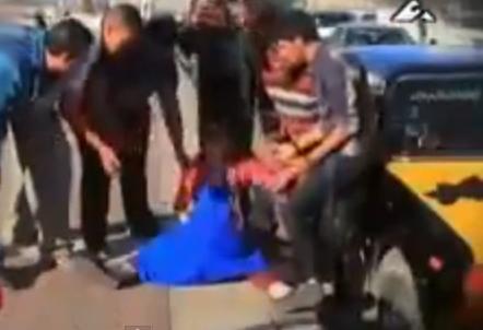 Broma: Mujer se pone de parto en plena calle