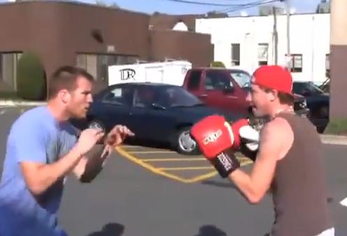 Cómo ganar una pelea callejera esquivando los golpes