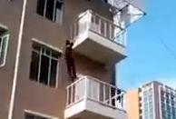 Cómo subir a un cuarto piso en 15 segundos