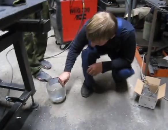 Cómo limpiar una fábrica metalúrgica