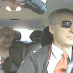 El primer ministro noruego se disfraza de taxista para conocer mejor la opinión de los ciudadanos