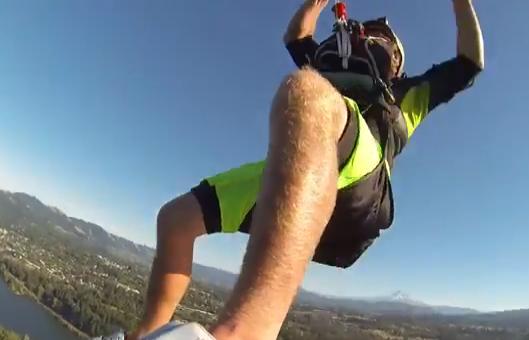 Récord mundial de altura haciendo kitesurf: 240 metros