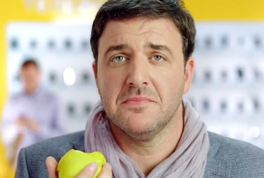 Samsung vacila a Apple en un anuncio ruso