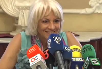 La alcaldesa de Cádiz: ''Hay gente que viene a pedir ayudas para comer y resulta que tiene Twitter, que cuesta dinero''