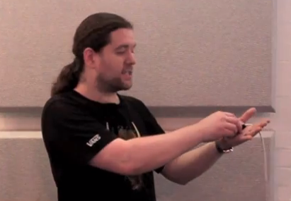 Cómo enrollar correctamente los cables para evitar nudos