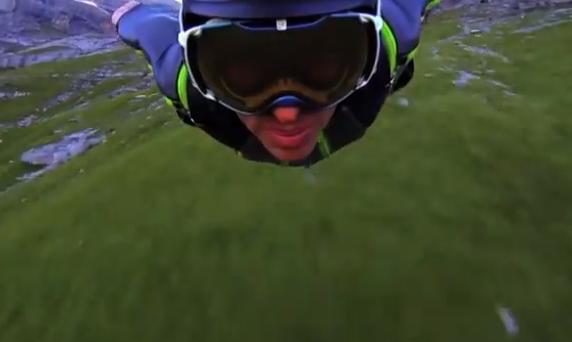 Wingsuit: Casi rozando el suelo