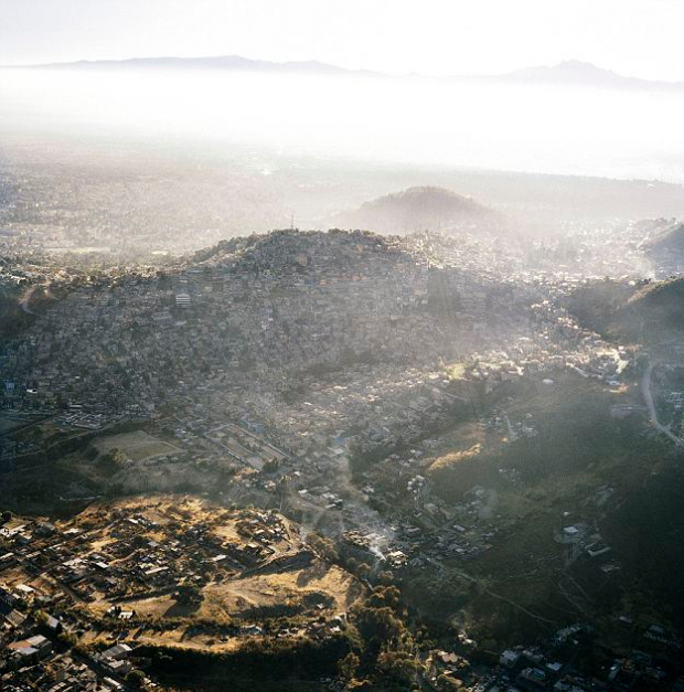 Impresionantes fotos aéreas de Ciudad de México demuestran que no hay frontera natural que pare el crecimiento urbano