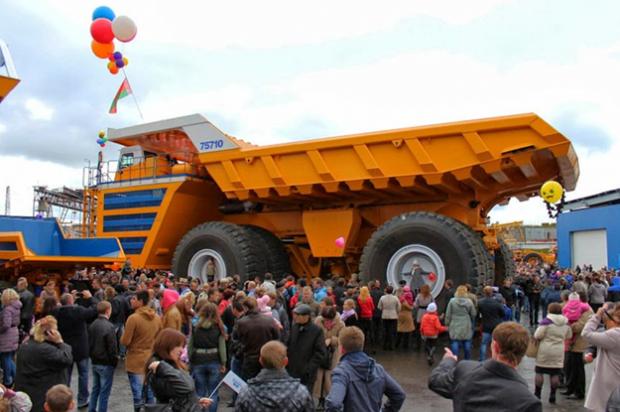 BelAZ 75710: El camión más grande del mundo