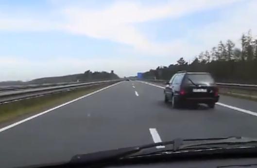 Cuando vas a 150 km/h y no ves ni al Corvette que te adelanta