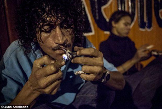 Juan Arredondo retrata las calles de la ciudad natal del narcotraficante colombiano Pablo Escobar