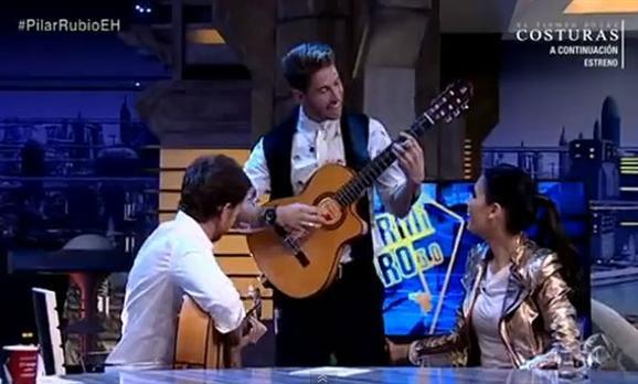 Sergio Ramos sorprende a Pilar Rubio cantando flamenco