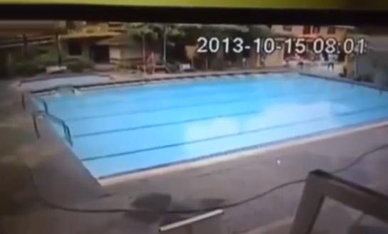 Terremoto de 7,2 en Filipinas visto desde la cámara en una piscina