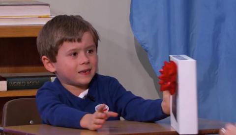 Un niño rechaza una tablet de Sony en directo porque prefiere un iPad