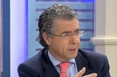 Senador del PP sobre tartazos a Barcina: ''5 años es poco. De eso a un tiro en la nuca hay un paso''