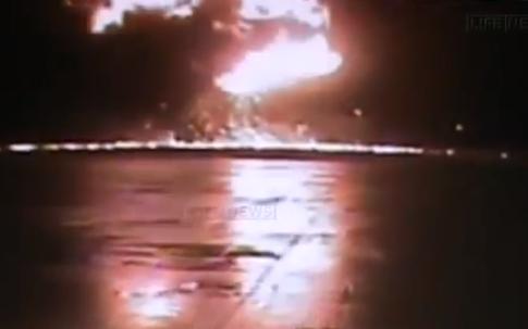 Un vídeo muestra la caída casi vertical del Boeing 737 en Kazán, Rusia