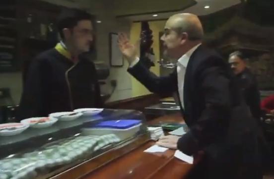 Antonio Resines se cabrea y la lía en un bar, ¿realidad o actuación?